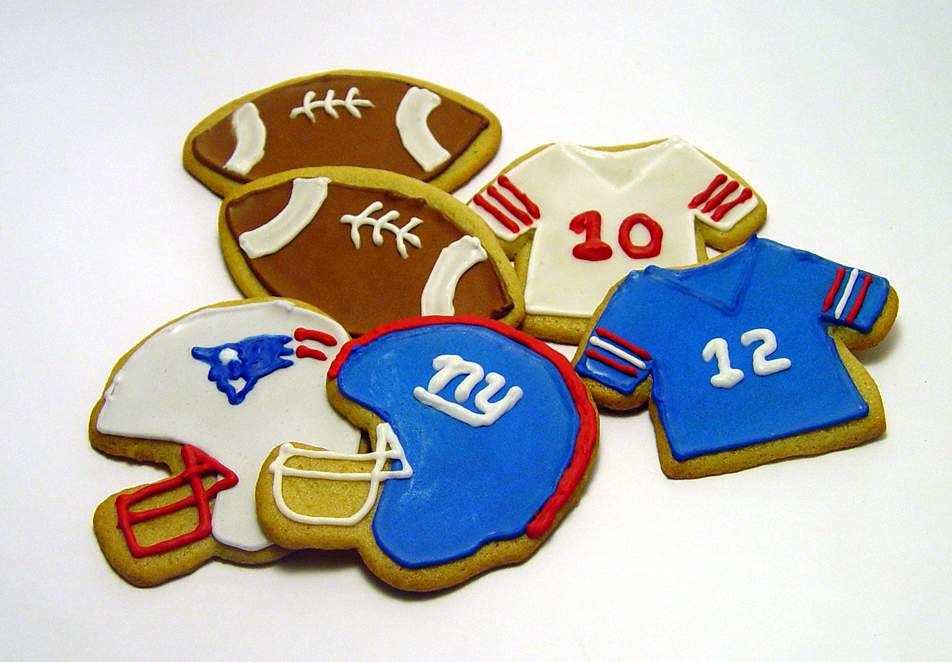 One Dozen (12) Football Themed Decorated Cookies- Perfect for Super Bowl Party